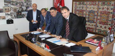 Eşme'de Toplu İş Sözleşmesi İmzalandı